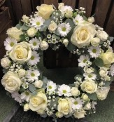 Classic Tribute Wreath in White